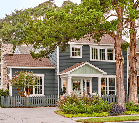 Complimentary - Colonial home